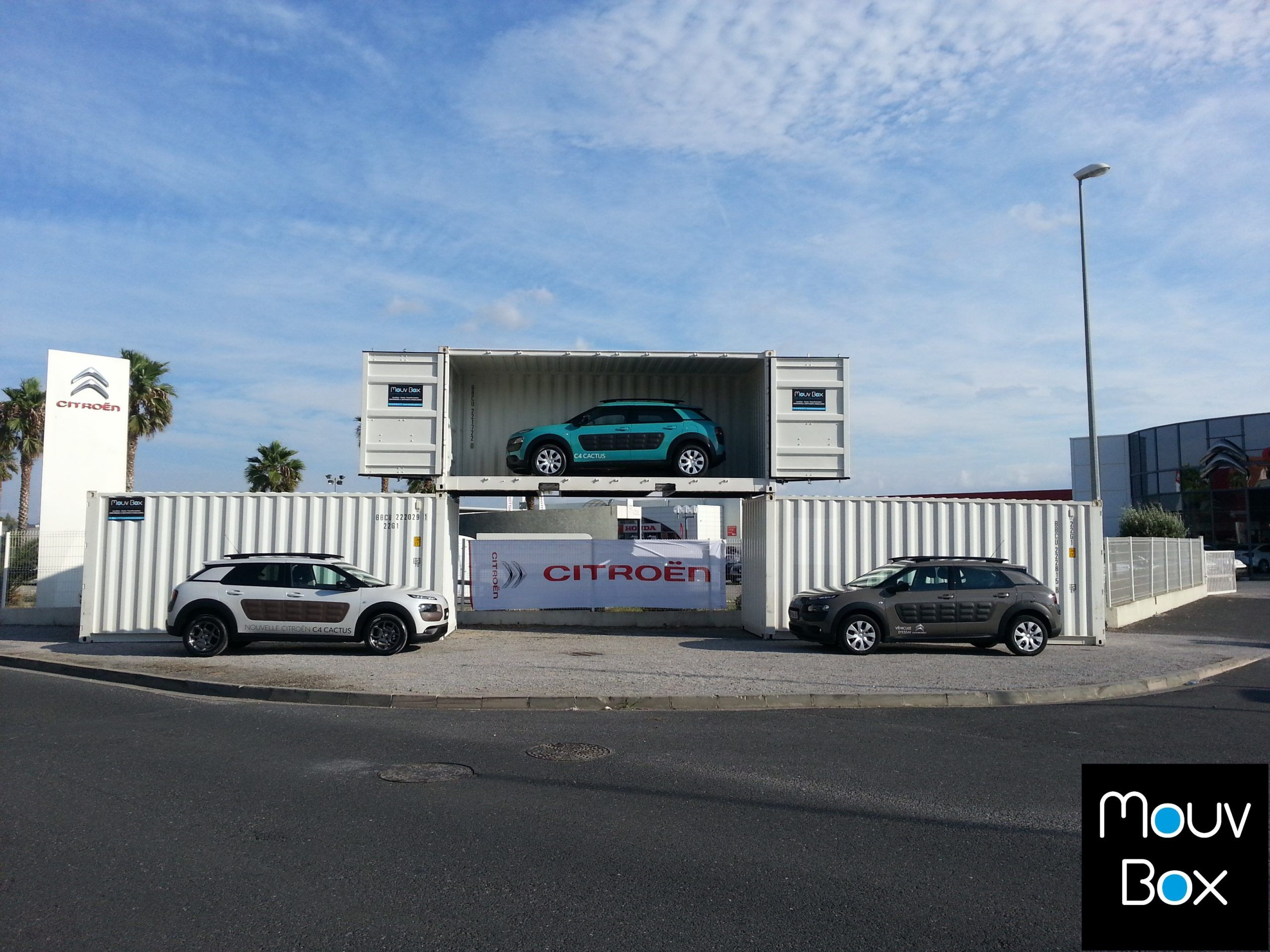Mouvbox france mouvbox met en sc ne citro n cactus for Porte ouverte citroen