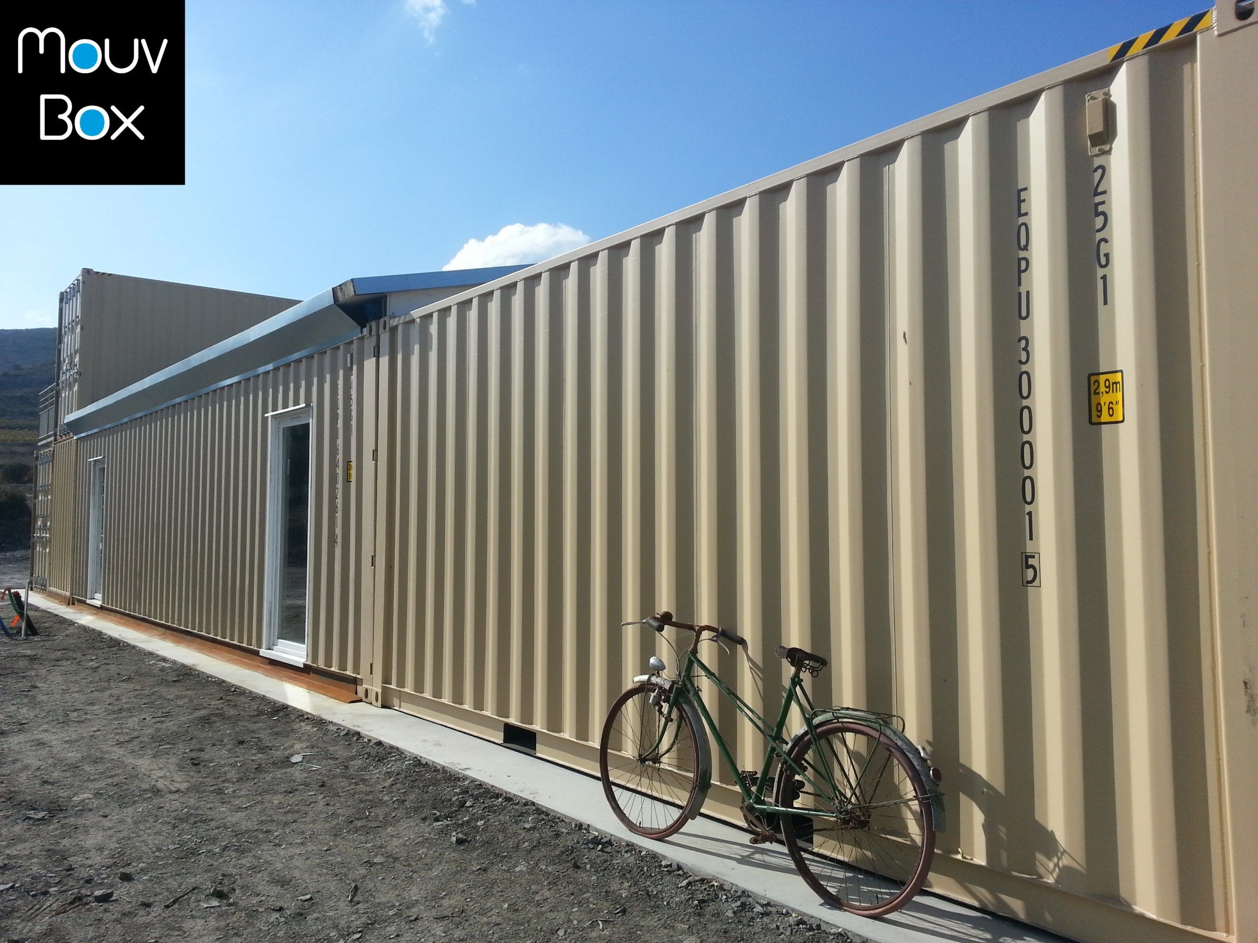 Mouvbox france domaine amagat les travaux avancent for Location container habitable