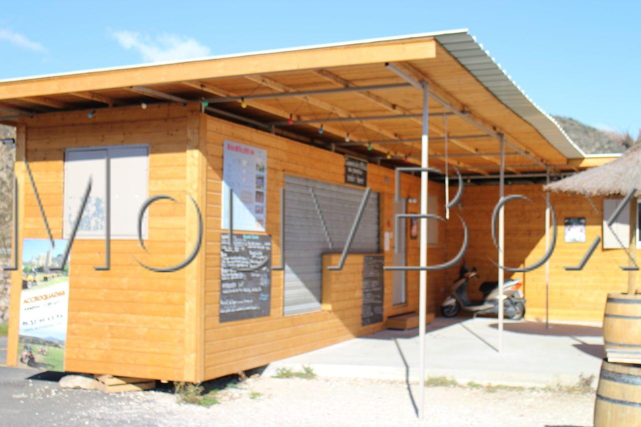 mouvbox france aquagliss 66 base nautique multisports. Black Bedroom Furniture Sets. Home Design Ideas