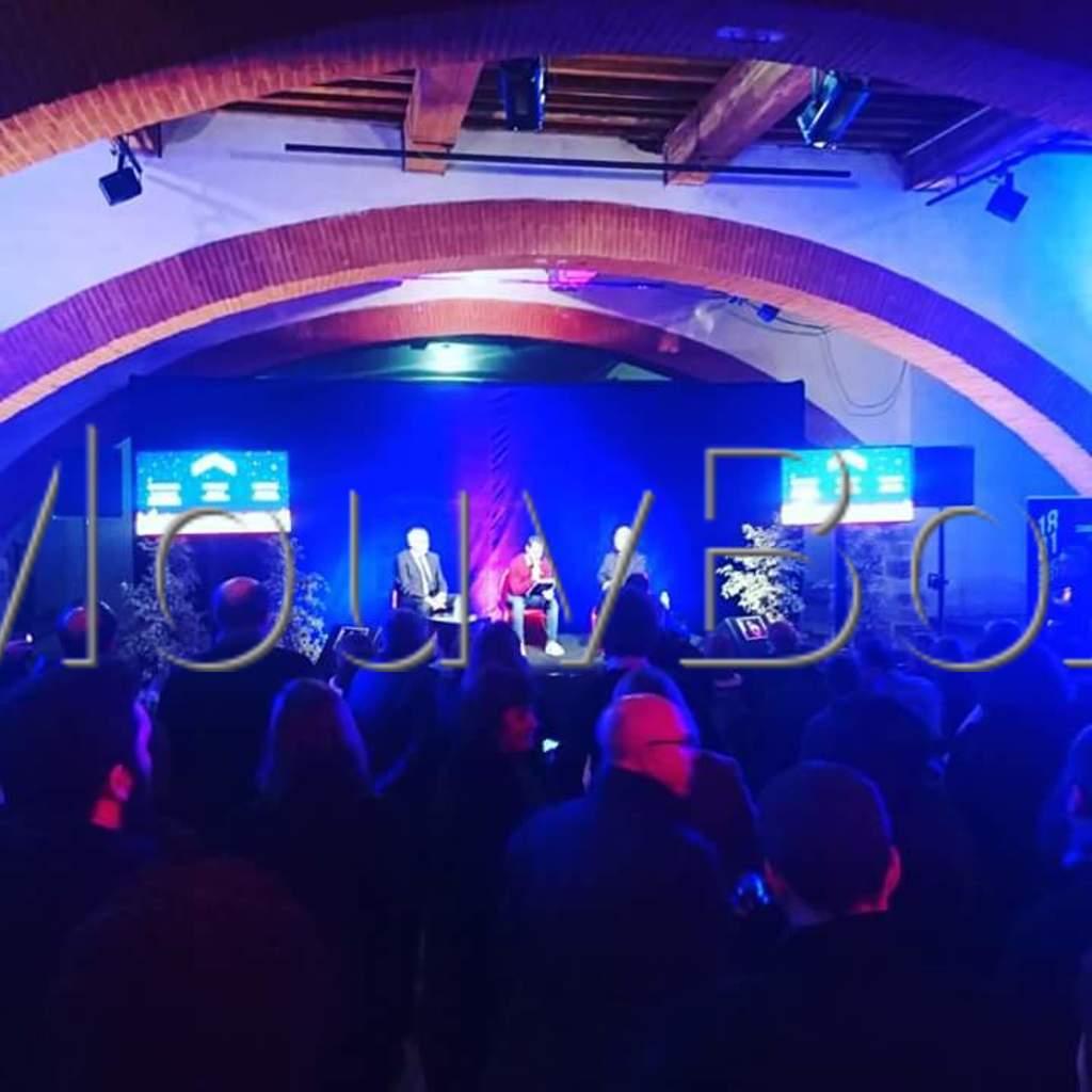 live-au-campo-mouvbox-concert-container-conteneur