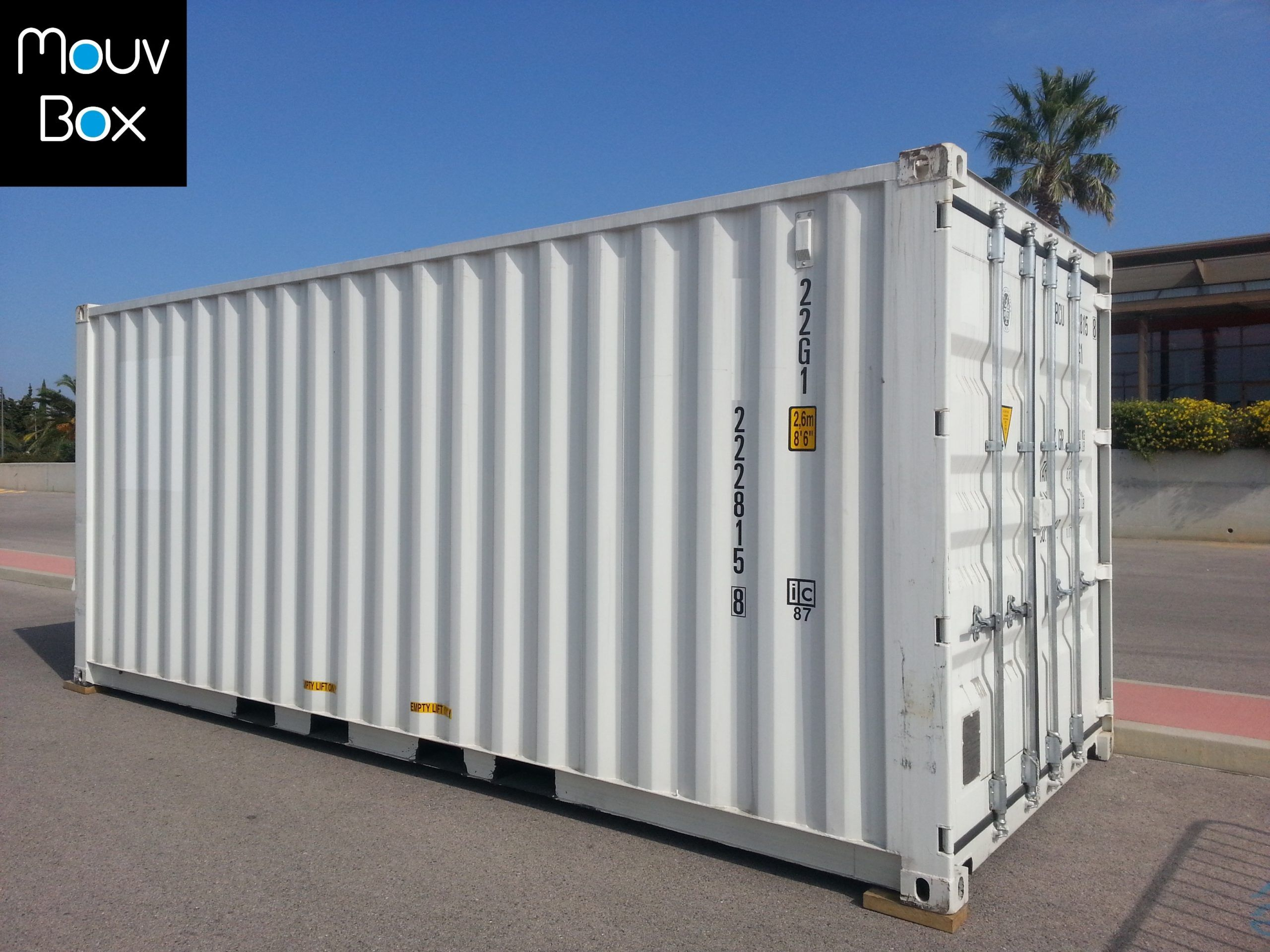 Container maritime 20 pieds neuf ou occasion mouvbox france for Acheter un container habitable