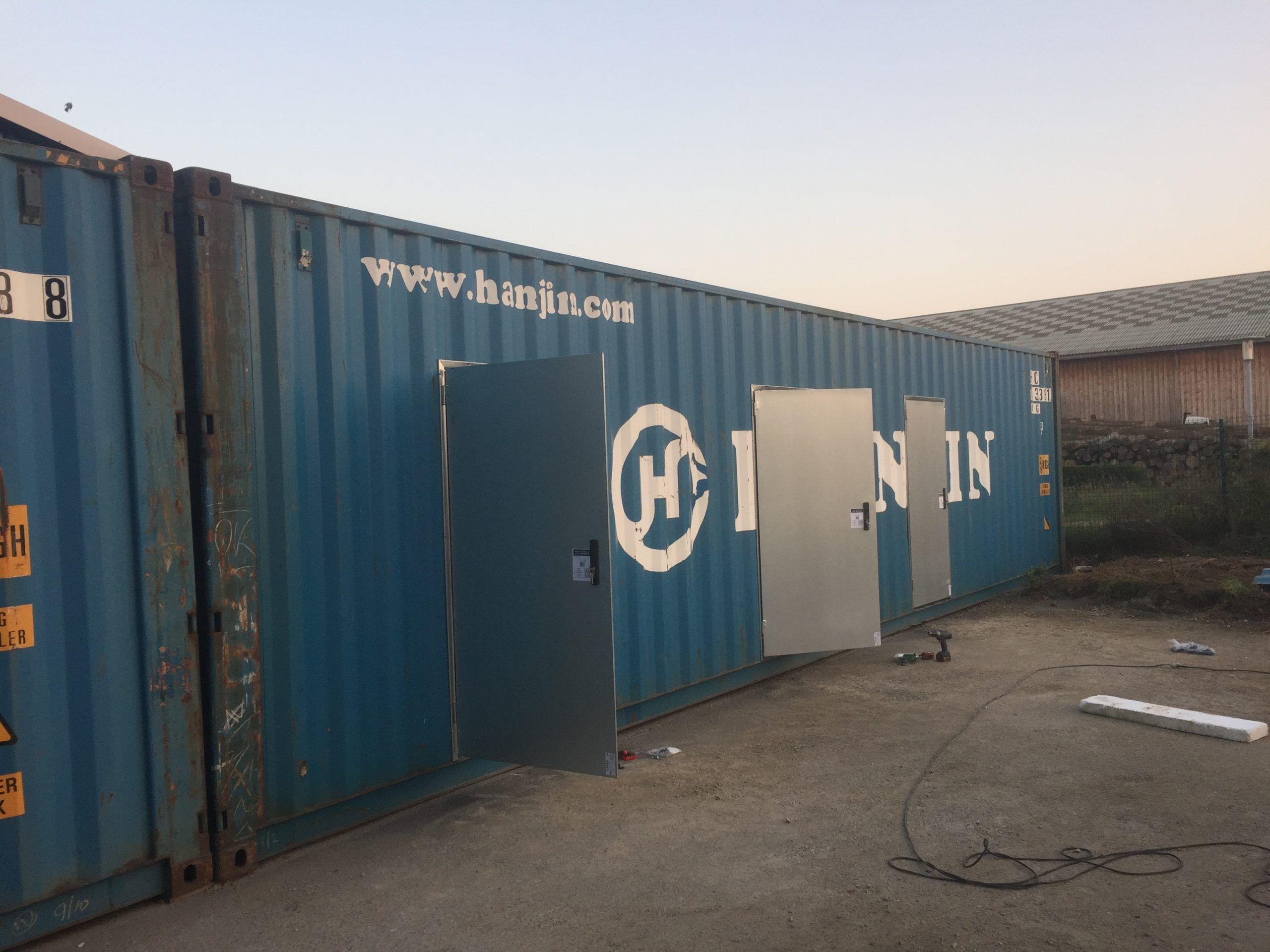 Containers am nag s de 40 pieds en box louer mouvbox - Container amenage ...